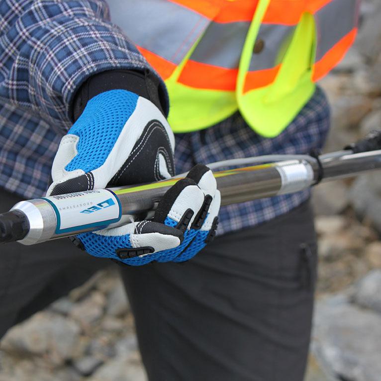 Digital extensometer geotehcnical monitoring instruments